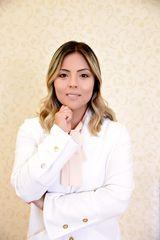 Dra Paula Oshiro